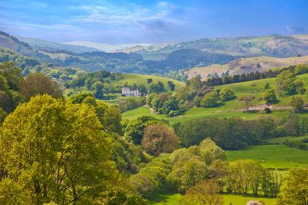 Welsh hills and forests landscape view near Llangollen in Denbighshire Standard-Bild