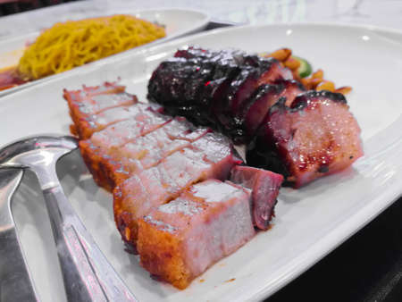 Roasted pork and BBQ pork Chinese style on white plate Banque d'images
