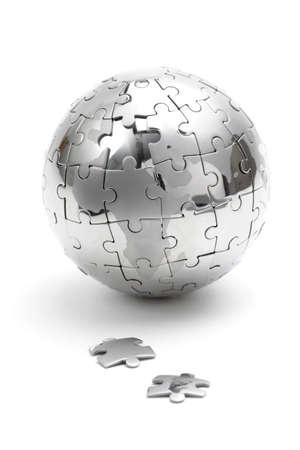 jigsaws: Puzzle metallo globo isolato su sfondo bianco Archivio Fotografico
