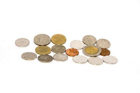 sur fond blanc: pi�ces de monnaie sur fond blanc Banque d'images