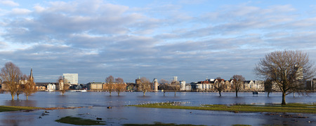high tide: Panoramic view of Dusseldorf during high tide Stock Photo