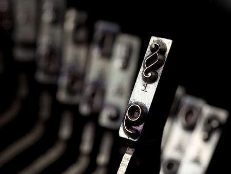 typebar: paragraph typebar from vintage typewriter