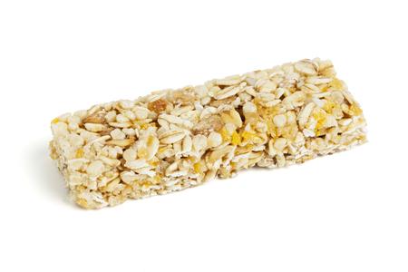 barra de cereal: barra de cereal saludable aislado en blanco