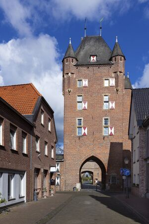 fortify: Klever Tor gate at Xanten from inside the city wall