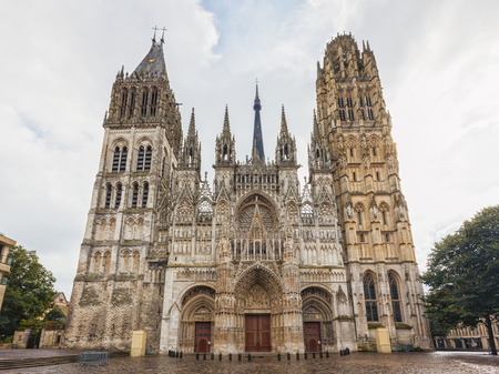 The cathedral of Rouen in France 스톡 콘텐츠