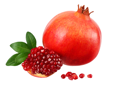 pomegranate fruit with seeds and green leaves isolated on white background 스톡 콘�츠