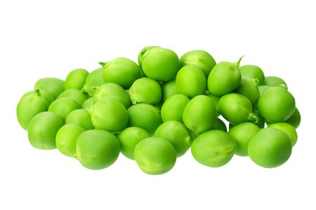 frische grüne Erbsen lokalisiert auf einem weißen Hintergrund