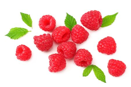 ripe raspberries with green leaves isolated on white background. top view Banque d'images - 132328855