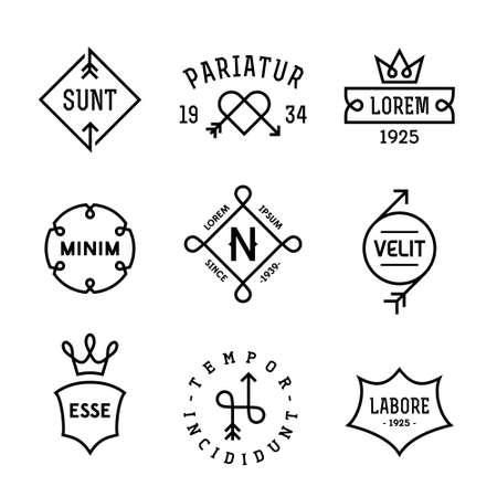 vintage hipster etiketten met hart, pijl, kroon Stock Illustratie