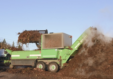 compost: Industrial compost handling
