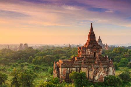バガン、ミャンマーでの古代寺院