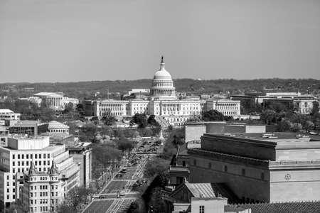워싱턴 DC, 펜실베니아 거리에있는 국회 의사당 건물 및 기타 연방 건물 스카이 라인