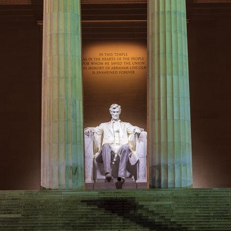 Lincoln Memorial at Dawn Stock Photo - 28239290