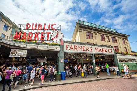 pike place market: SEATTLE - JULY 5: The Public Market Center also known worldwide as Pike Place Market in Seattle, Washington on July 5, 2014.