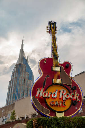 hard rock cafe: NASHVILLE - July 31: Hard Rock cafe sign in Nashville, TN on July 31, 2014. Hard Rock Cafe is a chain of theme restaurants founded in 1971 by Americans I. Tigrett and P. Morton in London.