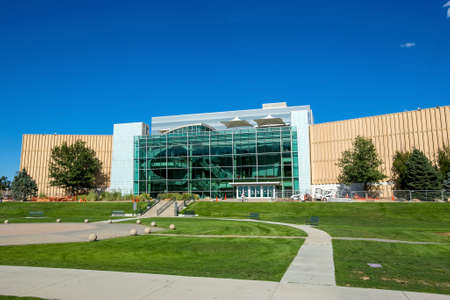 denver history museum: DENVER- SEPTEMBER 2: The Denver Museum of Nature & Science on September 2, 2014. It is 500,000-square-foot (46,452 m2) building with more than one million objects to display Editorial