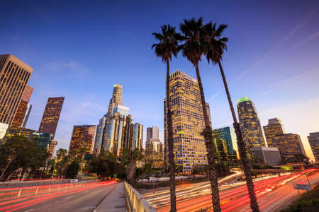Downtown Los Angeles skyline during rush hour at sunset Stockfoto