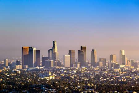 황혼 캘리포니아에서 시내 로스 앤젤레스 스카이 라인 스톡 콘텐츠