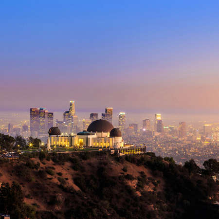griffith: The Griffith Observatory and Los Angeles city skyline at twilight