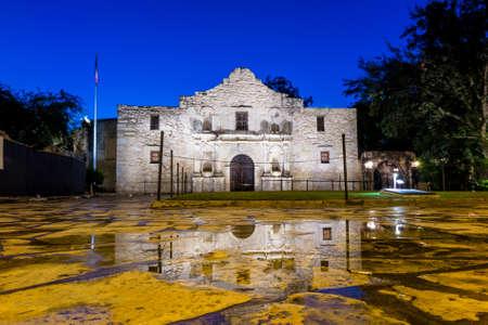ミステリー、アメリカ合衆国、テキサス、San Antonio で歴史的なアラモです。