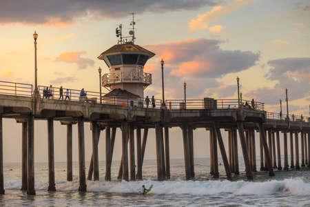 huntington beach: The Huntington Beach pier at sunrise, CA Stock Photo