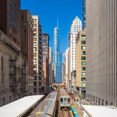 midwest usa: Trains in downtown Chicago IL Stock Photo