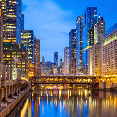 chicago: Chicago downtown and Chicago River at night.