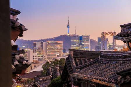 historic district: The Bukchon Hanok historic district in Seoul, South Korea. Stock Photo