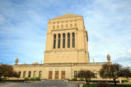 indianapolis: Indiana  Veterans Memorial Plaza in downtown Indianapolis