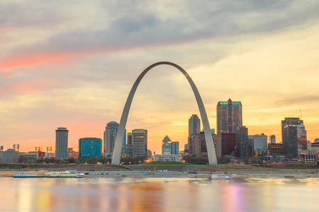 st  louis arch: City of St. Louis skyline. Image of St. Louis downtown  at twilight.