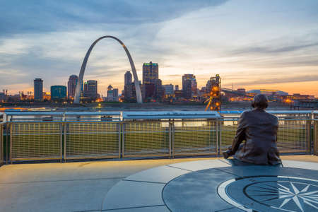 st louis: St. Louis downtown  at twilight.