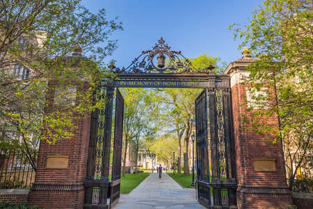 Yale university gate in spring blue sky in New Haven, CT USA 報道画像