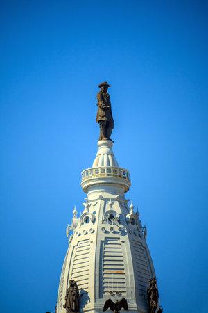 william penn: William Penn statue on a top of City Hall Philadelphia USA