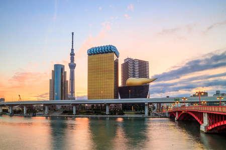 sumida: Tokyo skyline on the Sumida River at twilight.