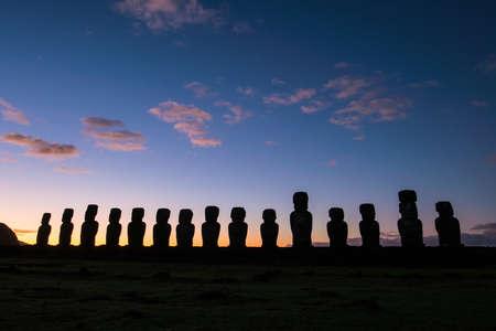rapanui: Silhouette shot of Moai statues in Easter Island, Chile