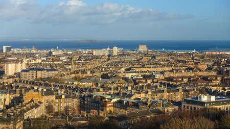 capita: View to the Old Town of Edinburgh in Scotland