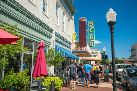 Savannah, Gruzja - 5 września: Downtown Savannah Georgia Usa 5 września 2016 r. założona w 1733 na rzece Savannah Publikacyjne
