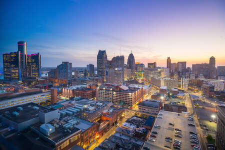 Aerial view of downtown Detroit at twilight in Michigan USA 스톡 콘텐츠