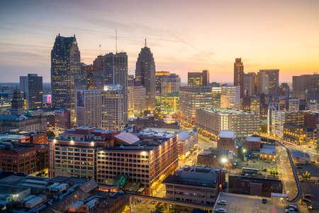 ダウンタウン デトロイト、ミシガン州米国で夕暮れの空撮 写真素材