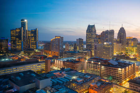 Aerial view of downtown Detroit at twilight in Michigan USA Banque d'images