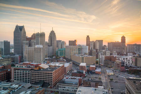 Aerial view of downtown Detroit at twilight in Michigan USA 版權商用圖片