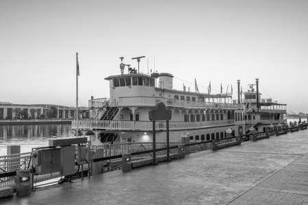 historic district: Historic District waterfront of Savannah, Georgia USA at twilight