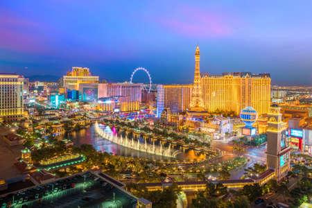 Luchtfoto van Las Vegas in Nevada zoals gezien in de nacht VS