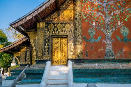 Details shot of Wat Xieng Thong, the most popular temple in Luang Pra bang, Laos 스톡 콘텐츠