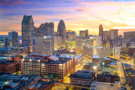 Aerial view of downtown Detroit at twilight in Michigan USA Archivio Fotografico