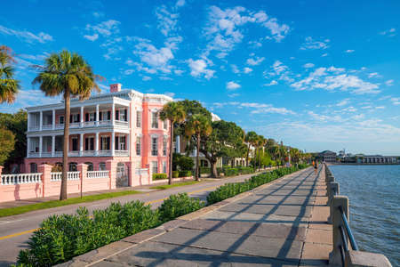 Battery Park in the historic waterfront area of Charleston, South Carolina, USA 스톡 콘텐츠