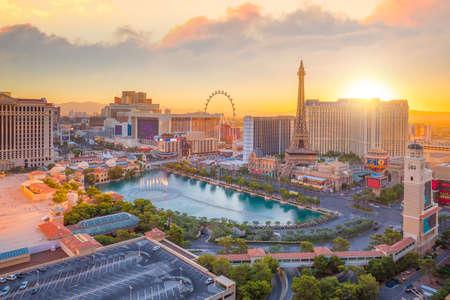 Luchtmening van de strook van Las Vegas in Nevada zoals die bij nacht de VS wordt gezien