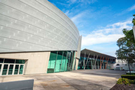 PERTH, AUSTRALIË - JULI 11: Perth Convention and Exhibition Centre in het centrum van Perth, Australië op 11 juli 2017 Het is een particulier congrescentrum in Perth, West-Australië. Stockfoto - 92142187