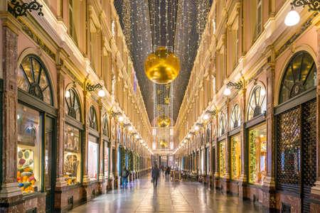 Die historischen Einkaufspassagen Galeries Royales Saint-Hubert in Brüssel, Belgien Standard-Bild