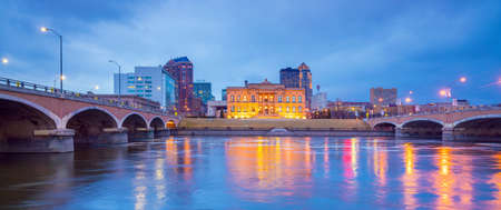 Des Moines Iowa skyline in USA (United States) Stock Photo - 99557543